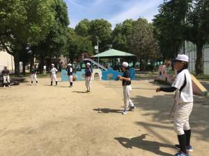 この日は東中本運動場で練習!