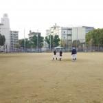 東中本運動場で練習。