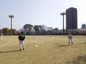 桜ノ宮野球場で練習。