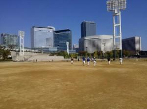 大阪城公園で練習。