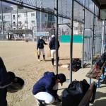 極寒の浦江運動場で練習。